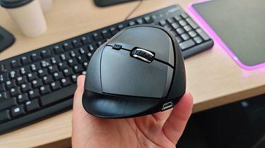 Natec Crake — wertykalna mysz do pracy biurowej, graficznej i do montażu [po 2 latach testów]