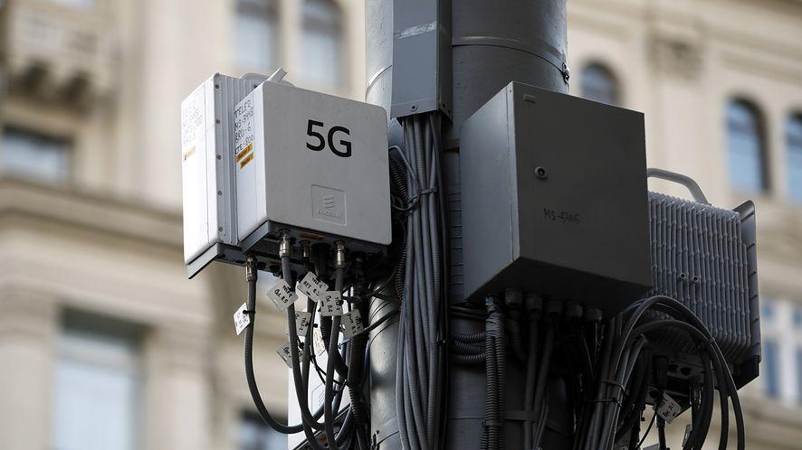 Maszty 5G padają ofiarami kolejnych teorii spiskowych /Fot. GettyImages/TASS/Mikhail Pochuyev