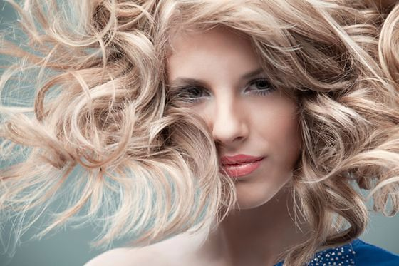 Masz włosy wysokoporowate czy włosy średnioporowate?