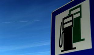 Orlen i Lotos obniżają ceny paliw