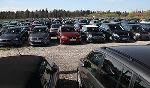 Problemy przy zakupie auta: nie wpadnij na minę!