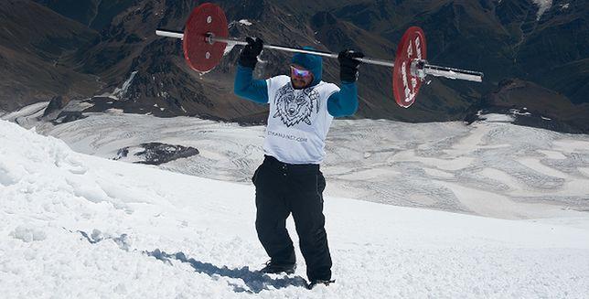 Na Elbrus ze sztangą