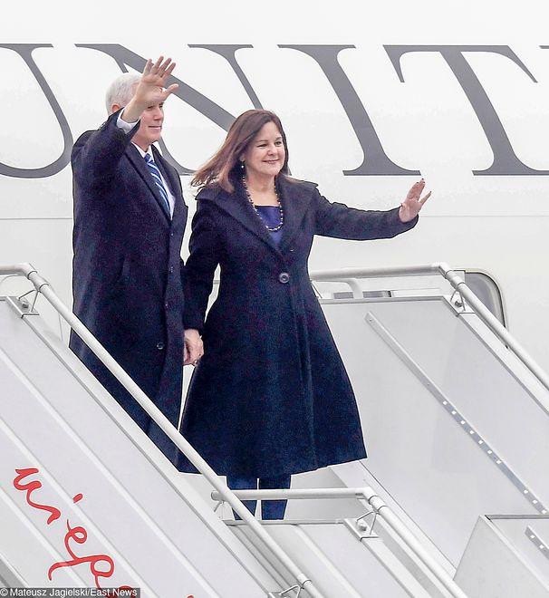 Mike Pence z małżonką przyleci do Warszawy 1 września