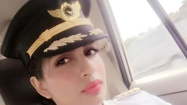 Piękna pani kapitan za sterami Boeinga 777