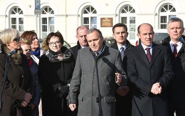 Niby banalny wypadek Beaty Szydło, ale uderza prosto w serce PiS