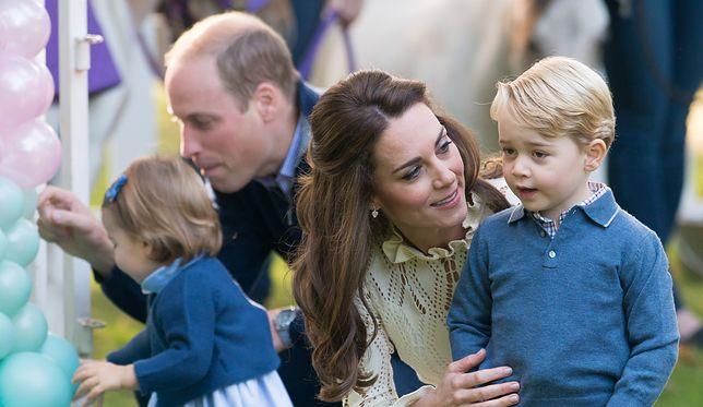 Księżna Kate z mężem i dziećmi