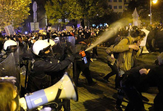Strajk kobiet. W wielu miejscach interweniowała policja