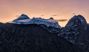 """Koronawirus """"zamknął"""" Mount Everest. Dla Nepalczyków brak turystów to katastrofa"""