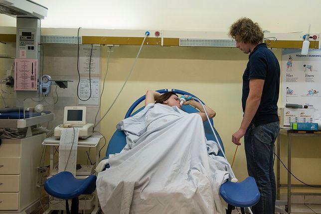 """Na stronie """"Empowerment Birth Project"""" można obejrzeć realistyczne zdjęcia i nagrania z porodów."""