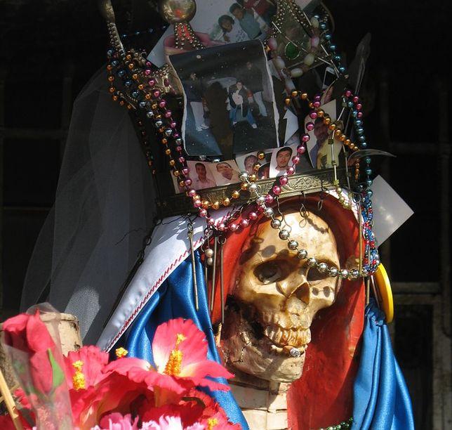 """Nasza Pani Śmierci - najszybciej rozwijająca się """"religia"""" świata"""