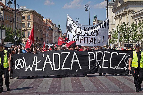 Pochód anarchistów w Warszawie: odcinamy się od pseudolewicy