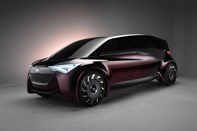 Koncepcyjne auto Toyoty ma przejeżdżać tysiąc kilometrów bez tankowania wodoru