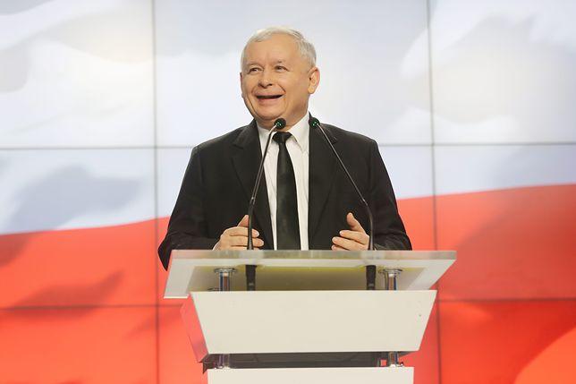 Jarosław Kaczyński ma powody do radości. Notowania PiS systematycznie rosną
