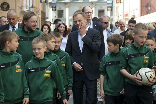 Tusk apeluje: bądźmy serdeczni podczas Euro 2012