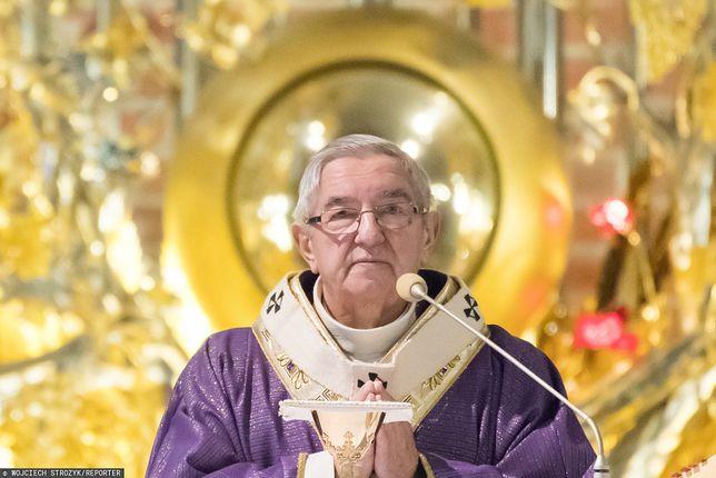 Polskie ogłoszenie w Rzymie. Włoska gazeta wycina nazwiska abpa Głodzia oraz biskupów Janiaka i Tyrawy z listu otwartego do papieża
