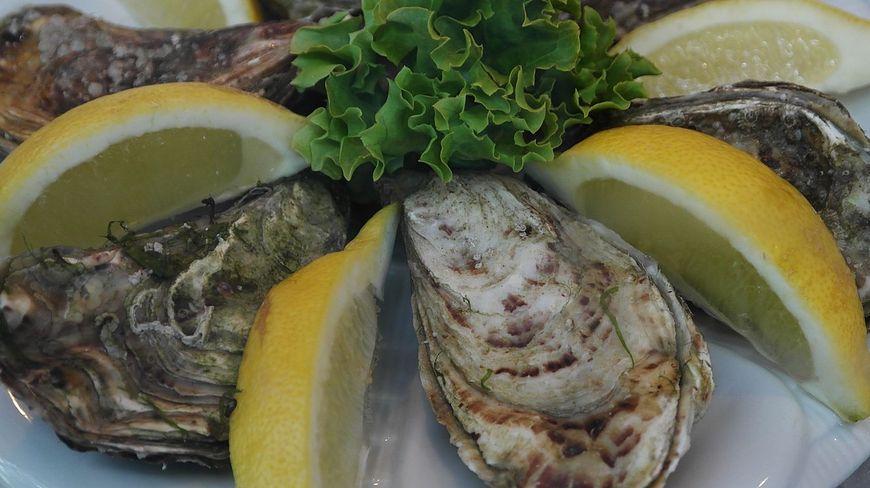 Świeże ostrygi