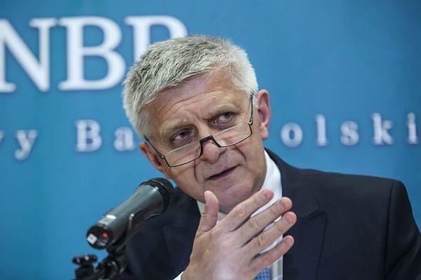 Konstytucjonaliści: NBP ma współdziałać z rządem, ale nie angażować się w politykę