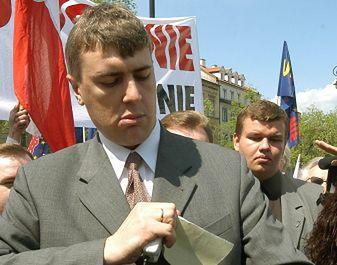 Romna Giertych podczas antyunijnego marszu