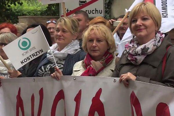 """""""Ciężka praca, słaba płaca"""". Pielęgniarki protestują"""