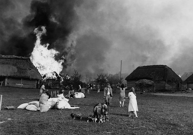 Te zdjęcia pokazały Amerykanom reżim i biedę w Polsce
