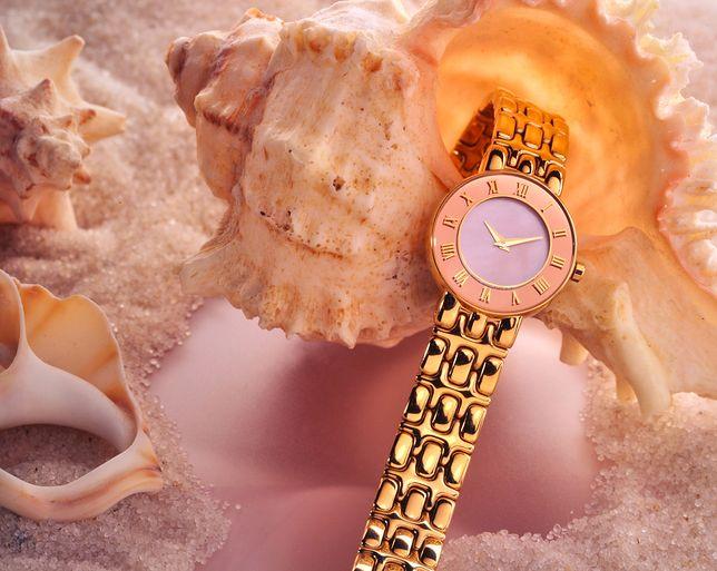 Zegarki na bransoletce. Eleganckie dodatki w kolorze różowego złota