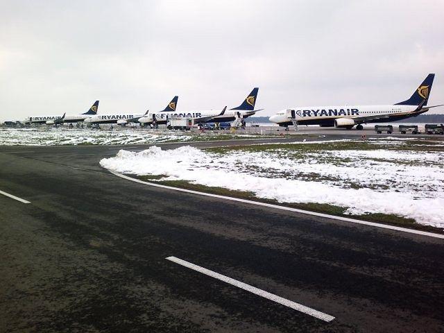 W czwartek ruszy naprawa na lotnisku w Modlinie