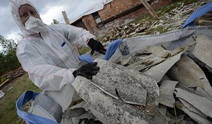 Usuwanie fragmentów eternitu (azbest) pochodzącego ze zniszczonych pokryć dachowych