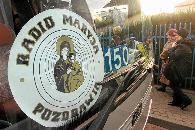 Duchowny skazany za molestowanie odmawia różaniec na antenie Radia Maryja