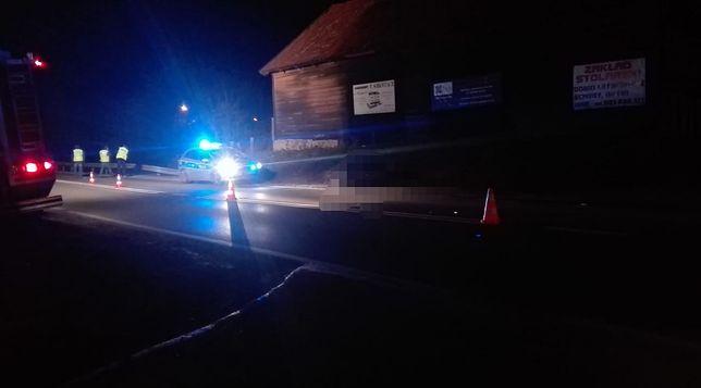 Śmiertelny wypadek na DK 16. Policja poszukuje sprawcy