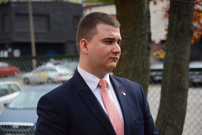 Bartłomiej Misiewicz na razie nie wsiądzie za kierownicę