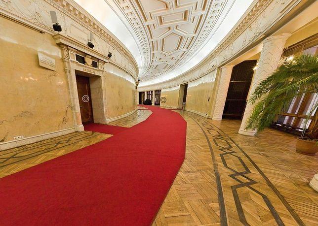 Wirtualna wycieczka po pałacu