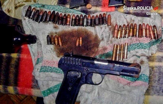 Mieszkanka Gliwic znalazła pistolet podczas sprzątania mieszkania po swojej zmarłej matce.