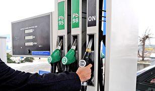 Ceny paliw. Tankować na zapas czy poczekać na obniżki?