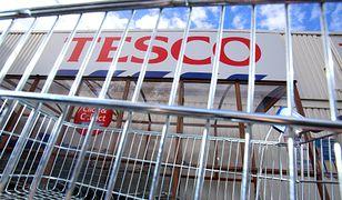 Tesco ma na Węgrzech 206 sklepów, w tym 112 hipermarketów, i zatrudnia około 20 tys. osób.