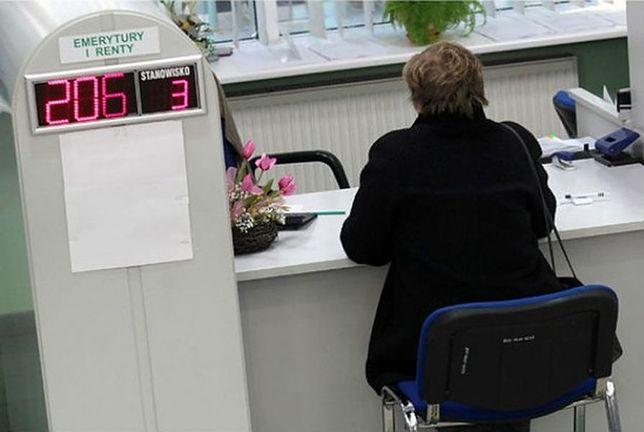 ZUS pomaga przyszłym emerytom. Wyliczą wysokość świadczenia
