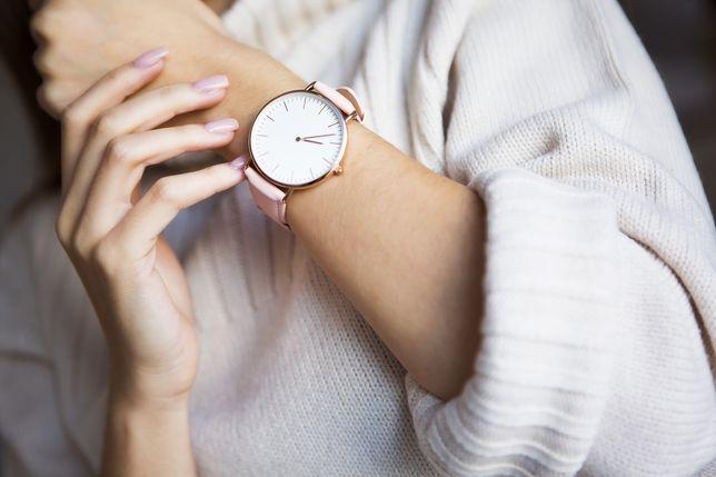 Najmodniejsze zegarki na pasku są teraz dostępne w promocyjnych cenach