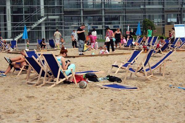 Gry, koncerty i dyskoteki na plaży w samym centrum