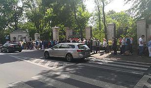 Blisko godzinę trzeba było czekać w kolejce, aby dostać się do Pałacu w Nieborowie