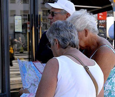Nie znają języków obcych, a wciąż chcą jeździć na zagraniczne wakacje