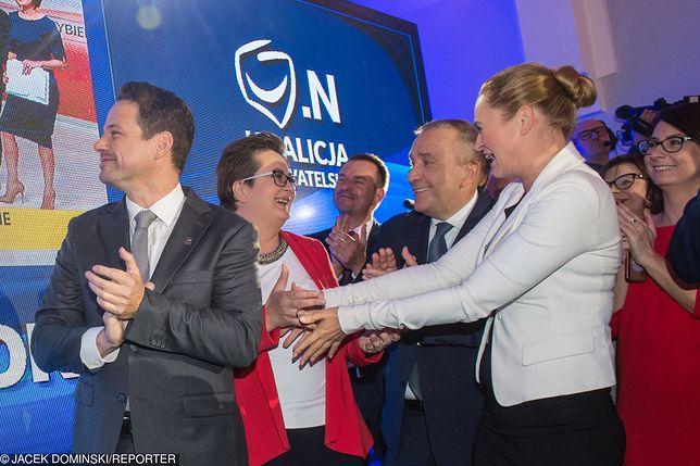 Euforia w sztabie Koalicji Obywatelskiej. Politycy świętują zwycięstwo Trzaskowskiego