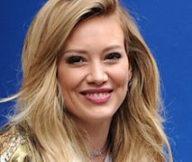 Hilary Duff też dała się skusić! Kolejna gwiazda żegna się z lokami
