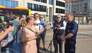 """Koronawirus. MPK Wrocław łączy siły z NFZ i policją. """"Nośmy maseczki"""""""