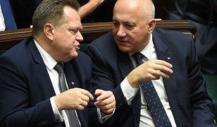 Wiceszef MSWiA Jarosław Zieliński (z lewej) i Joachim Brudziński minister MSWiA.