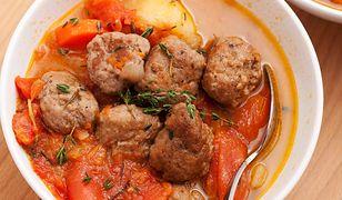 Zupa z pomidorów z wołowymi kuleczkami
