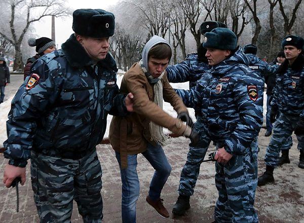 Policja rozpędza demonstrację