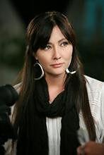 """Gwiazda """"Beverly Hills, 90210"""" ogoliła się przed leczeniem"""