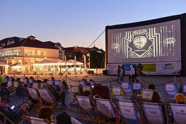 Zaplanuj sierpień z kinem letnim pod gwiazdami dzięki Provident i AXA