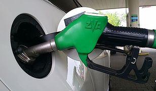 Kontrole na stacjach paliw. W wielu punktach wykryto nieprawidłowości