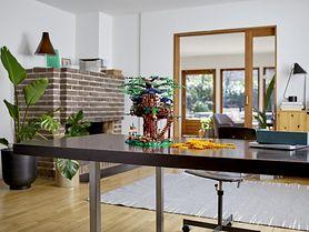 """LEGO® Ideas """"Domek na drzewie"""" z ekologicznych klocków"""
