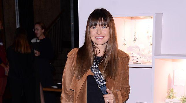 Anna Lewandowska postawiła na zamszowy płaszcz